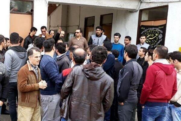 سومین روز از تجمع اعتراضی کارگران ایران پوپلین رشت
