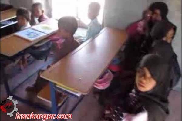 یک مدرسه در روستای اناری