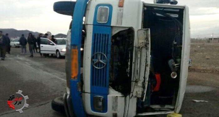 تصادف کامیون با مینیبوس