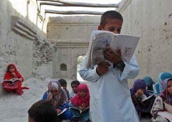 کودکان دانشآموز - بازمانده از تحصیل