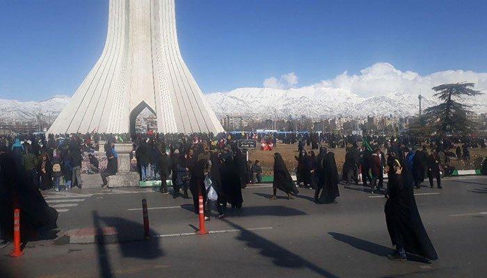 کسادی-نمایش-۲۲ بهمن