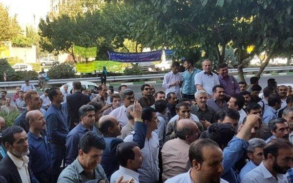 تجمع اعتراضی کارگزاران مخابرات روستایی خوزستان