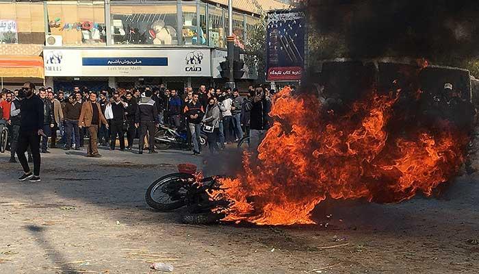 نگاهی به حرکت اعتراضی سیهزار نفر از مردم زنجان