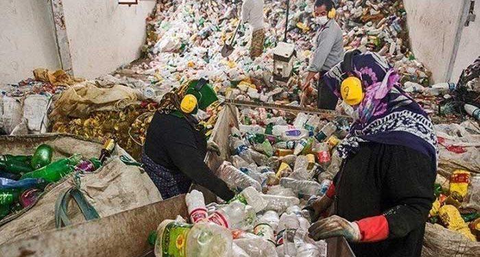 زنان کارگر کارخانه سایت پسماند صفیره اهواز