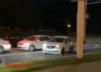لحظهای که جوان معترض با کمک یک راننده تاکسی از دست ماموران امنیتی بلاروس فرار میکند