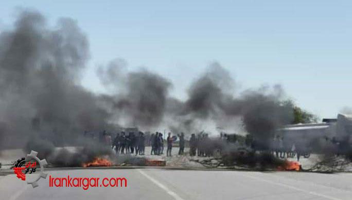 بستن جاده جاسک در اعتراض به قتل و زخمی کردن ۳ سوختبر