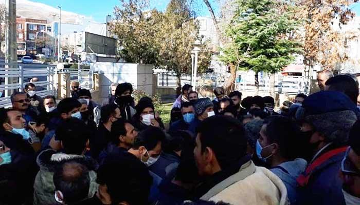تجمع اعتراضی دستفروشان سنندجی