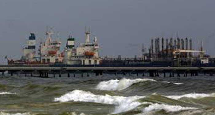 فروش ده ها میلیون دلار بنزین ایران