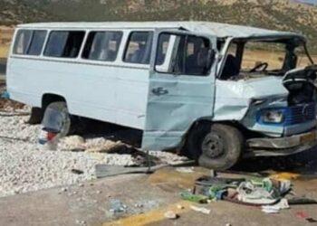 واژگونی سرویس کارگران در اصفهان