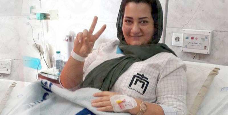 آتنا دائمی با پابند و دستبند از زندان اوین به زندان لاکان رشت تبعید شد