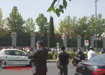 مالباختگان بورس در جلوی مجلس