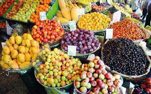 کارگران در حسرت خرید میوه برای فرزندانشان