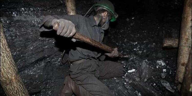 بی خبری از کارگران محبوس معدن طزره در زیر آوار سنگین