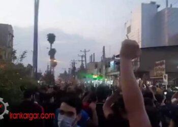 مرگ بر خامنه ای و توپ تانک فشفشه خامنهای باید کشته شه؛ شعارهای تظاهرات ایذه - فیلم