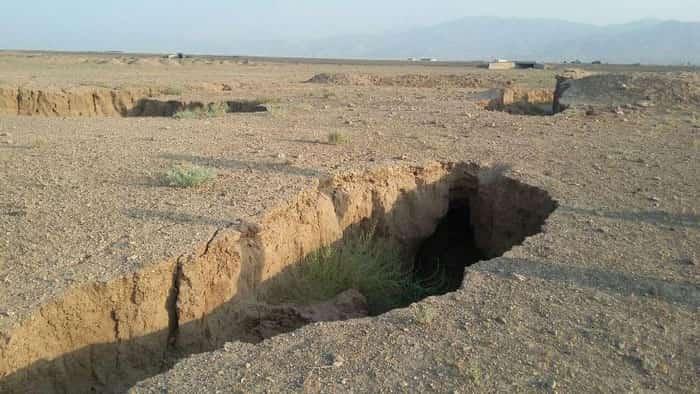 فاجعه زیست محیطی فرونشست زمین و فروچاله